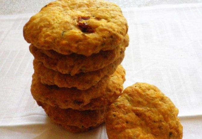 Aszalt paradicsomos-parmezános keksz