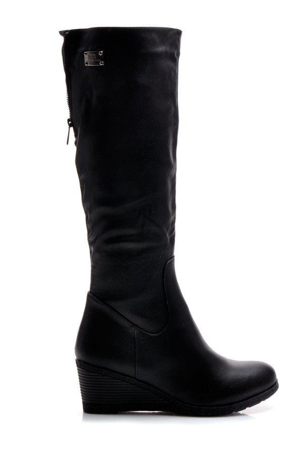 BLACK boty klínu paty Vynikající obuv pro ženy na pohodlném klínu paty.  Na zadní straně dekorativní krátké zipem.  Zip tah - rychlé a pohodlné.  Zesílená špička a pata.  K dispozici v klasické černé barvě.  Heel: 6,5cm  Výška hřídele: 37 až 39 cm (v závislosti na velikosti.)  Horní šířka: 40 až 42 cm (v závislosti na velikosti.)  Materiál: koženka http://www.cosmopolitus.com/cerne-kozacky-klinu-b252b-s2121p-p-96173.html?language=pl&pID=96173 #boty