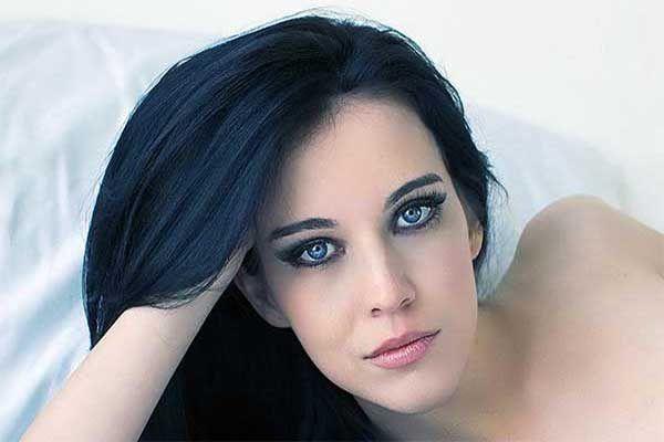Mavi Siyah Saç Rengi ve Mavi Siyah Saç Modelleri