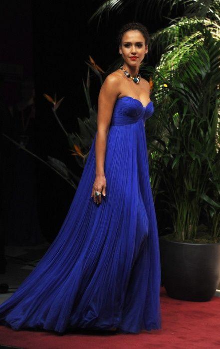 Jessica Alba...cobalt blue gown/jewelry