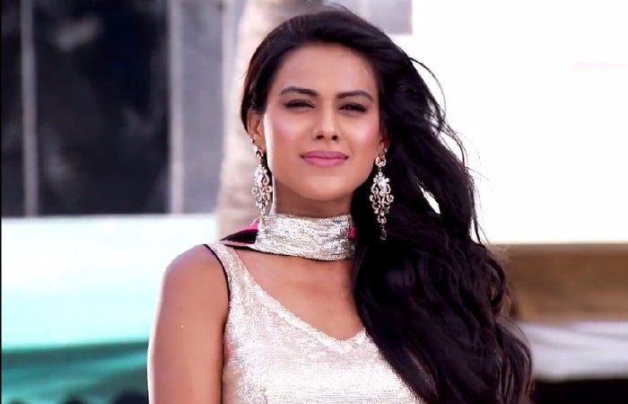 #NiaSharma Beats Other Hot Actresses With Her Pictures