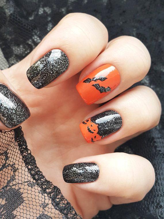Natürlich können auch Nägel im Halloween-Style lackiert werden - wie gefällt Euch der Look?