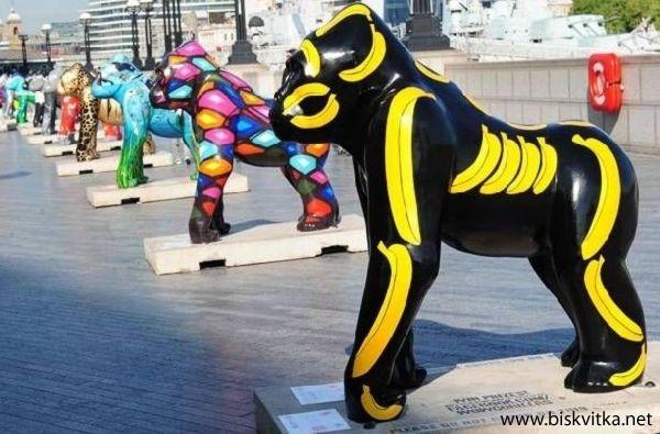 Painted Gorillas In London » Biskvitka.net
