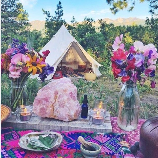 || SOULFUL WEDNESDAY || It's a beautiful day to immerse yourself in all things earthly and grounding  There's something gorgeously comforting about being close to nature's offerings ✌️#soulfulwednesday #livethelifespectrumhttps://www.instagram.com/p/BZzHdYylgYE/