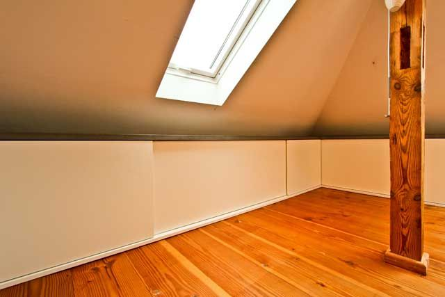 ber ideen zu kniestock auf pinterest ein bett verstecken verstecktes bett und loft. Black Bedroom Furniture Sets. Home Design Ideas
