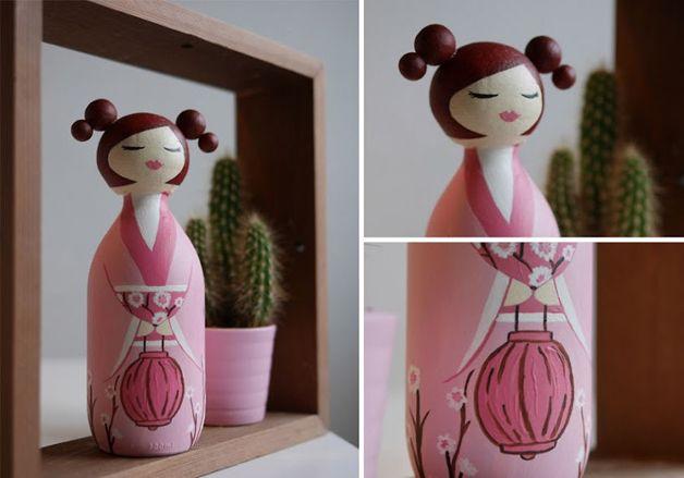 Artista transforma garrafas de vidro vazias em bonecas tradicionais japonesas | Hypeness – Inovação e criatividade para todos.