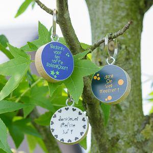 Sleutelhangers voor juf of meester! #eindeschooljaar #dankjeweljuf #dankjewelmeester #cadeautjesboom #bedankingen