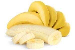 Los plátanos brindan excelentes beneficios saludables por su riqueza en nutrientes y su valor energético, representando una de las frutas más consumidas a nivel mundial, ya que su dulzura y sabor delicado es tan irresistible como saludable. SIGUE LEYENDO EN: http://alimentosparacurar.com/n/7269/5-beneficios-muy-saludables-de-los-platanos.html