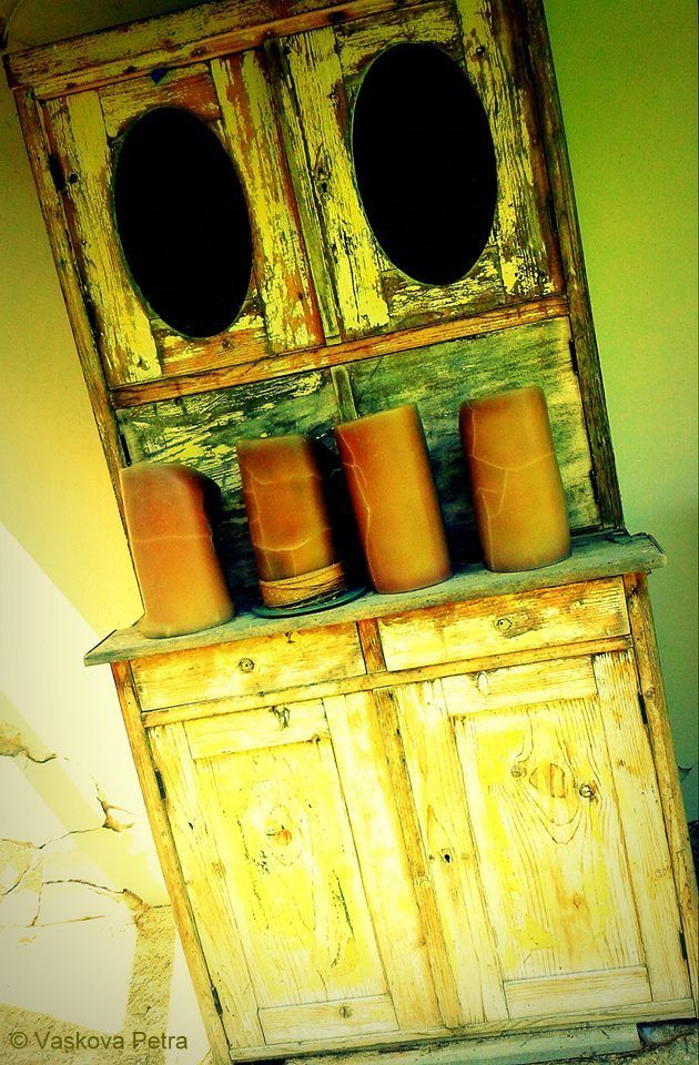 Cupboard and candles © Petra Vaskova