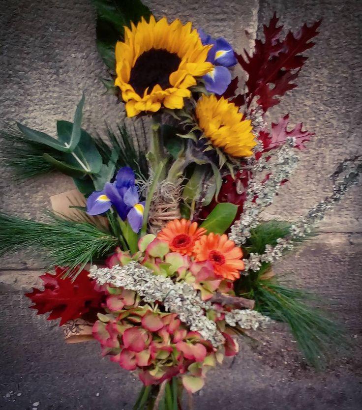 "7 aprecieri, 1 comentarii - Floraria Dorothy's (@florariadorothys) pe Instagram: ""Autumn and fun.. #flowers #cluj #clujlife #clujnapoca #floricluj #florariecluj #lifeincluj…"""