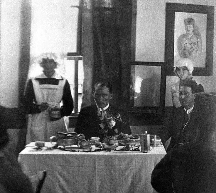 Atatürk yaveri Cevat Abbas Gürer ile - Adapazarı 1922
