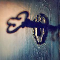 Magické vlastnosti dverí a kľúčov.