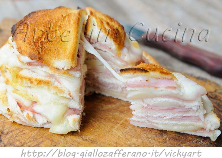 Zuccotto salato con pancarre farcito per feste, ricetta facile, veloce, torta salata da buffet, farcita, prosciutto, provola, rustico in poco tempo, antipasto sfizioso