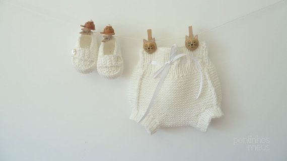 White knit baby diaper cover  booties by pontinhosmeus on Etsy