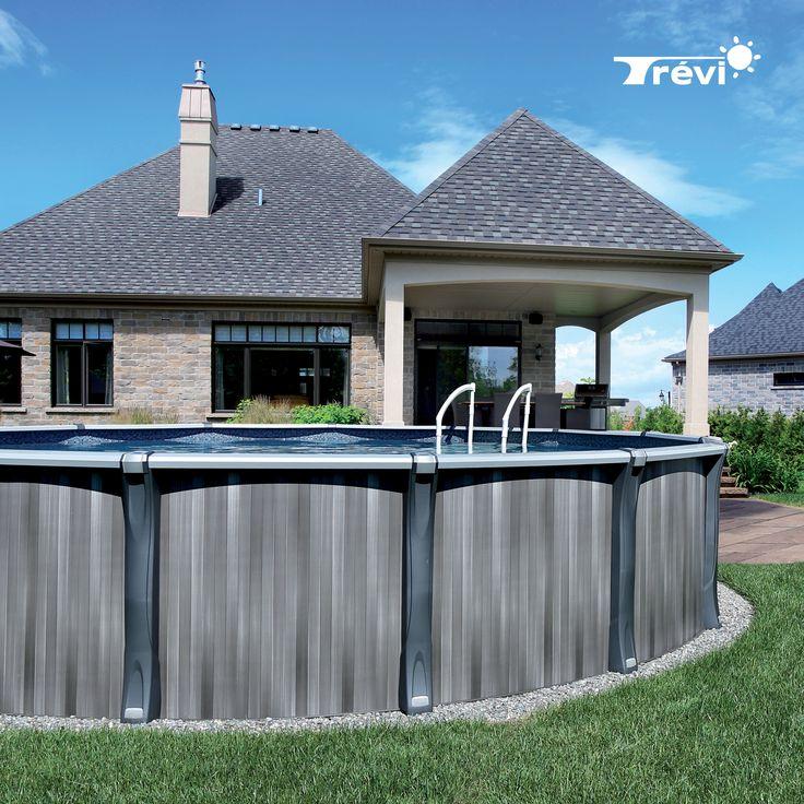 La piscine Trévi Unix est la dernière née de notre collection de piscines à énergie solaire. Son allure contemporaine s'inscrit dans une tendance nouvelle et moderne qui saura rehausser la qualité de votre environnement extérieur.