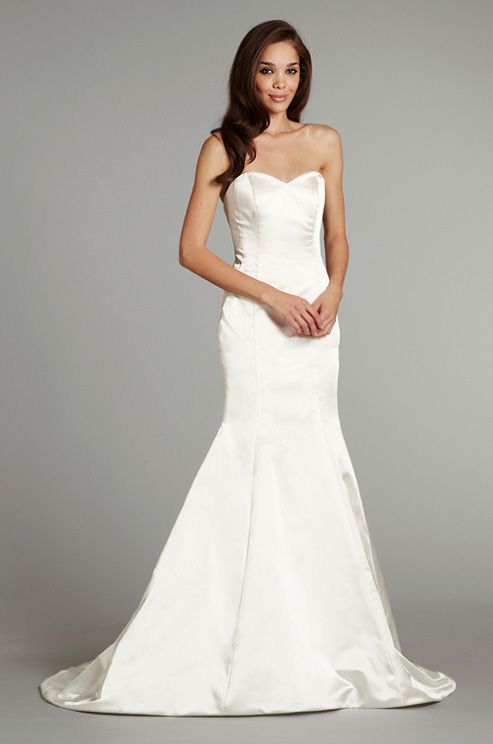 17 best images about trumpet dress on pinterest free for Plain white wedding dress