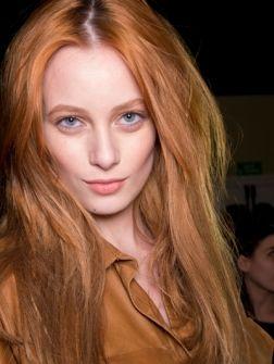 Koper is het nieuwe blond. En nu al dé haarkleur van het jaar. Naast de natuurlijke red heads zagen we v...