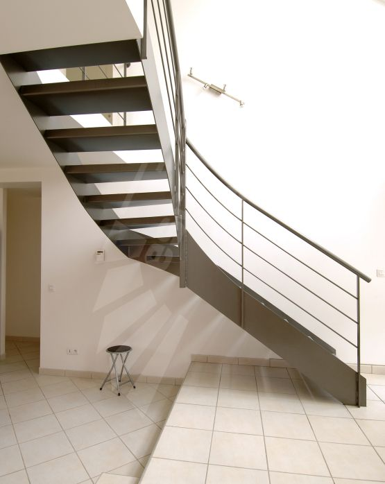 41 best un escalier en acier et b ton laissez monter le. Black Bedroom Furniture Sets. Home Design Ideas