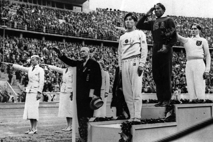 Owens won 4 gold medals in Berlin '36 Olympic Games, Nazi Germany 1936 [2916 X…