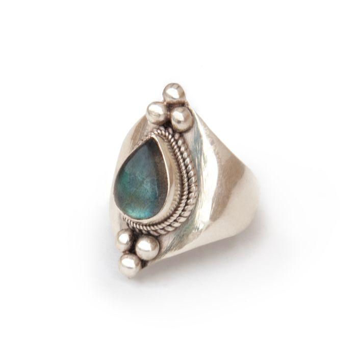Handmade Artisanal ring | .925 stamped sterling silver | Genuine stones (http://artefactscollection.com/teardrop-labradorite/)