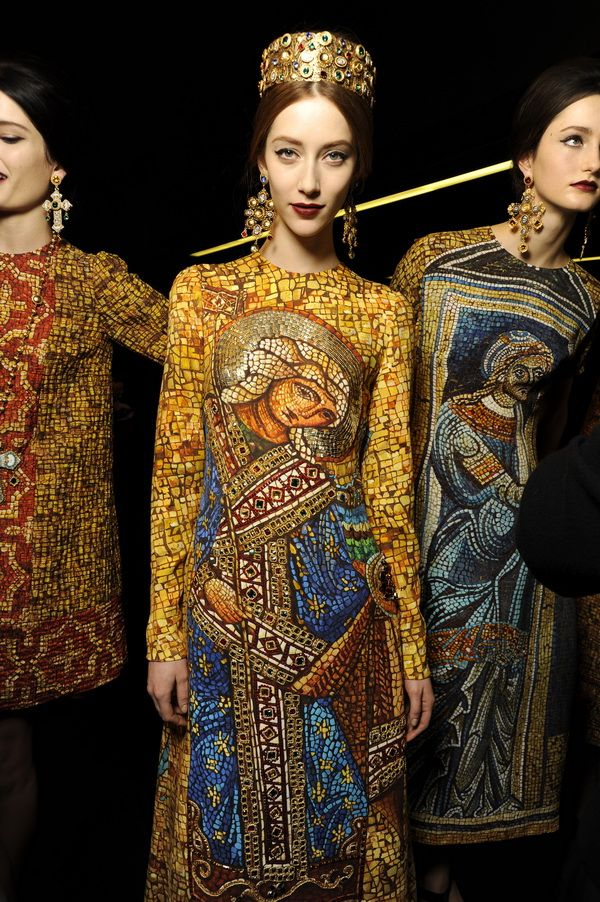 Backstage-at-the-Dolce-Gabbana-2014-Fall-Winter-Womenswear-Collection-Show-Makeup-Tips_49