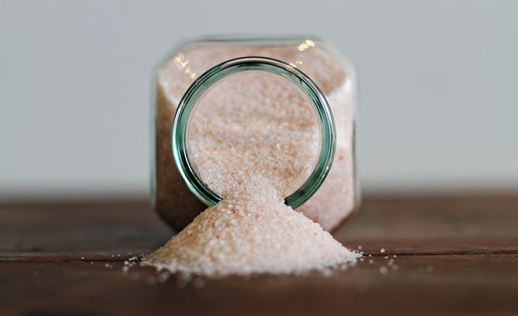 Ever wonder why we only use 100% organic pink Himalayan sea salt in our non-dairy milks & lean lemonade? Visit the link to our blog to learn about this magical salt!  http://galtjuicecompany.com/blogs/galt-juice-co-blog/52266625-the-battle-of-salts  #himalayanseasalt #organic #galtjuice #galtjuiceco #galtjuicecompany #organicalways #shoplocal#supportlocal