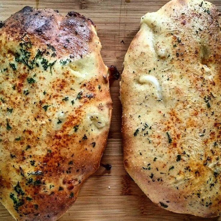 Naan met kaas in de oven
