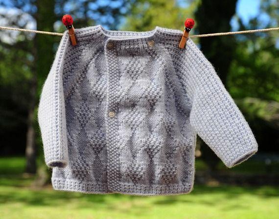 layette ensemble 3 mois neuf tricoté main brassière pantalon et chaussons