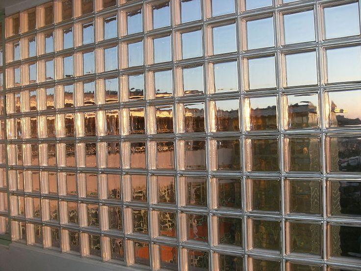 File:Glass block wall nr. 21 Zlín.JPG