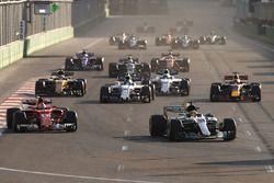 Lewis Hamilton, Mercedes AMG F1 W08, Sebastian Vettel, Ferrari SF70H, Lance Stroll, Williams FW40, Daniel Ricciardo, Red Bull Racing RB13, Nico Hulkenberg, Renault Sport F1 Team RS17, Felipe Massa, Williams FW40 and Kevin Magnussen, Haas F1 Team VF-17 at