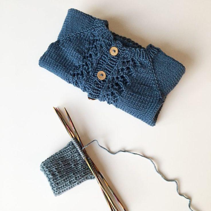Vera   #veracardigan#krittewittstrik#krittewittknits#knittinginspiration#knitting_inspiration#knitspiration#knitinspire#i_loveknitting#knitstagkram#knittersofinstagram#instaknit#instaknitters#strikktilbarn#babystrikk#guttestrikk#barnestrikk#babyknits#knitforboys#neatknitting#babyboyinspo#ministil#kids_knitting_inspiration#knitinspo123