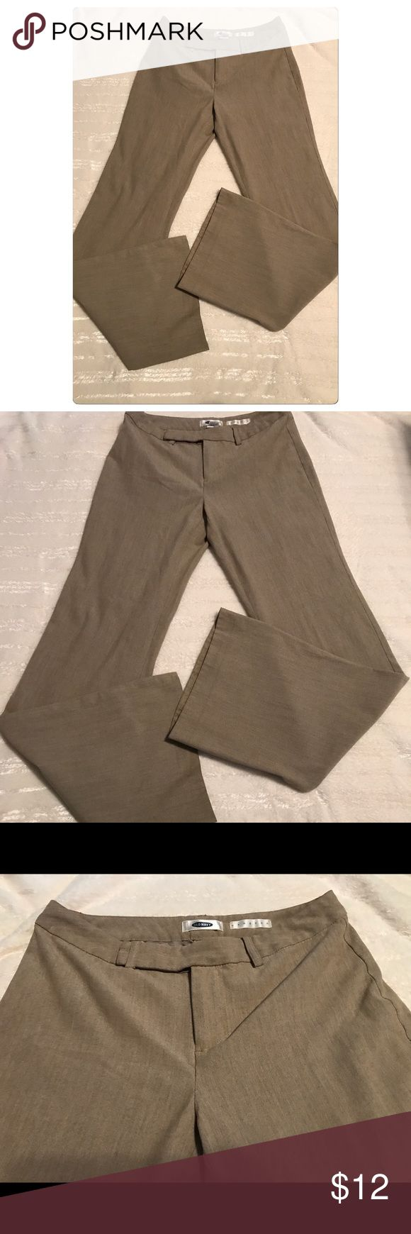 """Old Navy Wide Leg Pants Old Navy Wide Leg Stretch Dress Pants In Great Condition. Size 1. 49% Rayon, 48% Polyester, 3% Lycra Spandex. Inseam 31"""", Rise 8"""". Great for the office or going out! Super comfortable. Smoke free and pet free home. Old Navy Pants Wide Leg"""