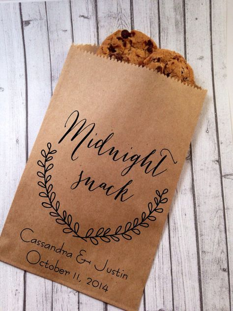 Wedding Favor Bags, Cookies- Candy Buffets. Love the modern but primitive laurel design