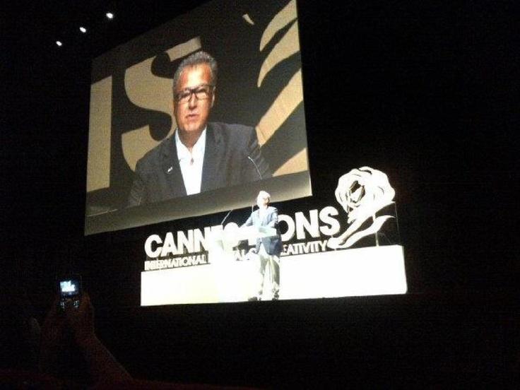 Nizan abre palestra de Clinton em Cannes