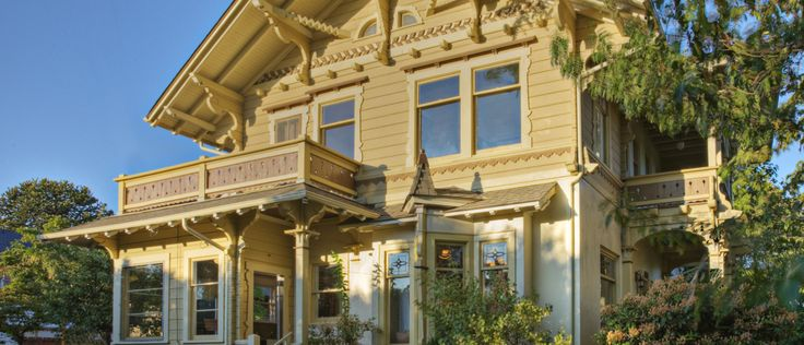 Take a stroll through the history of American houses, from the colonial era to the modern age.