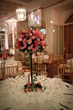 M s de 25 ideas fant sticas sobre centros de mesa altos en - Bandejas decoracion salon ...