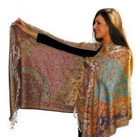 Magnifique écharpe pashmina indienne disponible sur http://www.merabarata.fr/les-jamavars/590-chale-echarpe-pashmina-cachemire.html