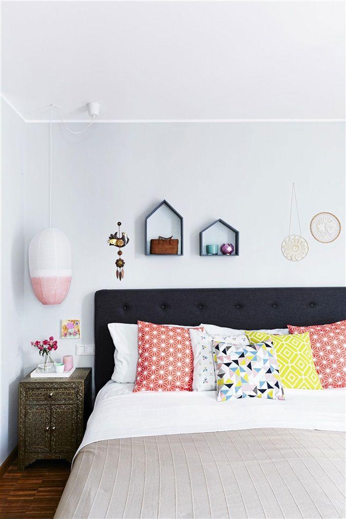Sovrum i ljusgrått