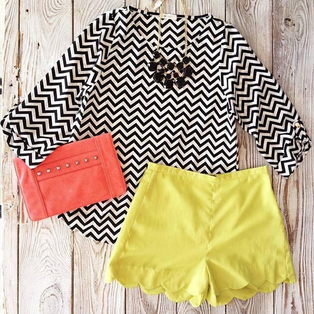 chevron tops & scalloped shorts Love yellow!