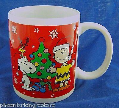 2011 Collectable Snoopy Woodstock Charlie Brown Peanuts Christmas Coffee Mug Cup