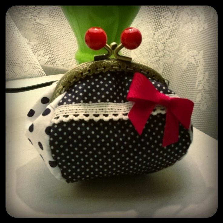 the sweety navy purse!!!