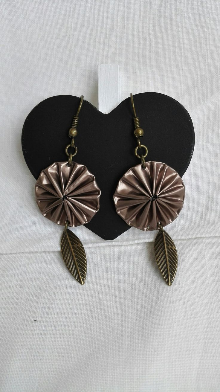 Boucles d'oreilles cabochons Nespresso marron féérique et feuilles bronze vintage : Boucles d'oreille par miss-perles