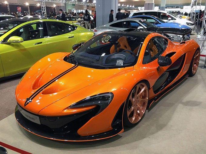 オレンジとカーボンブラックのコンビネーションが抜群!!一度は乗ってみたい車に出会える大阪オートメッセ 自動車