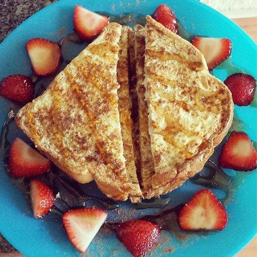 1000+ images about Breakfast on Pinterest | Yogurt, Scrambled eggs ...