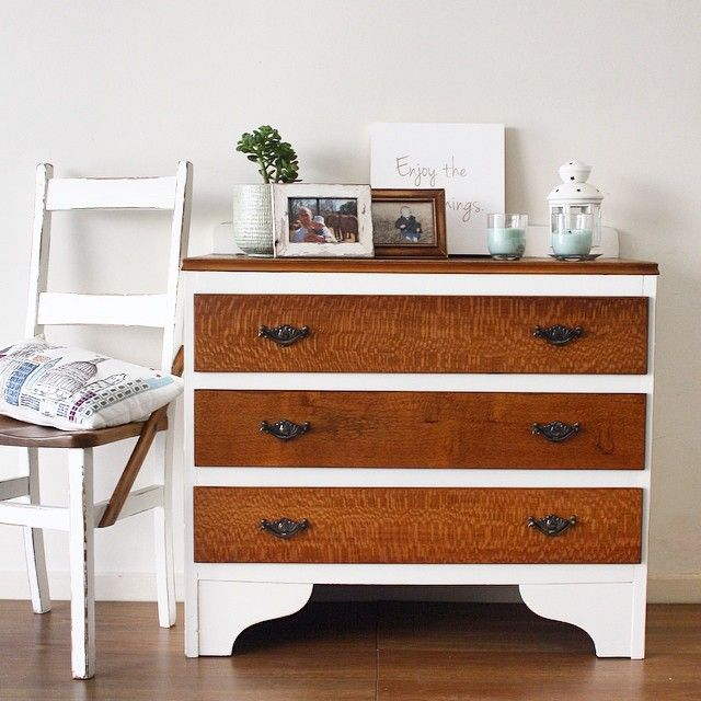 This beautiful vintage dresser is made of silky oak and veneer making it light but