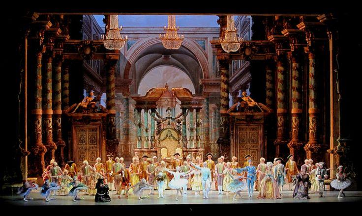 Opéra Bastille di Parigi: il nuovo, moderno e popolare Teatro dell'Opera, situato in Place de la Bastille dove un tempo sorgeva la prigione simbolo dell'assolutismo monarchico. La sua programmazione è dedicata a spettacoli di lirica e di danza.