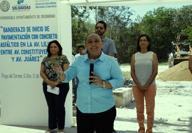 Periodismo sin Censura: PAVIMENTA GOBIERNO MUNICIPAL NUEVOS TRAMOS DE AVEN...