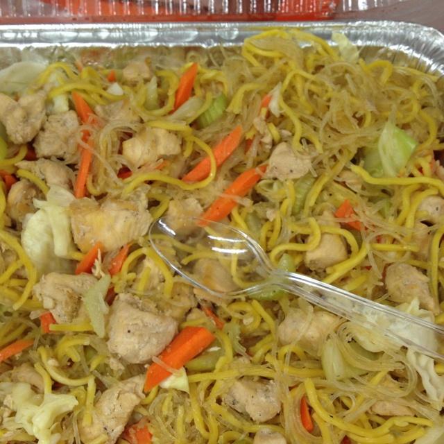 http://pinterest.com/ronleyba/filipino-recipes-philippine-foods-filipino-dish/ Philippine food it was Delish!!!