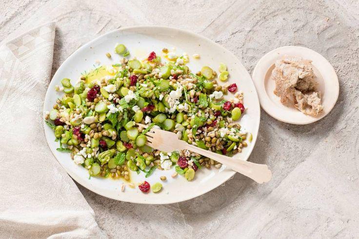 Kijk wat een lekker recept ik heb gevonden op Allerhande! Salade met mungbonen en groene asperges