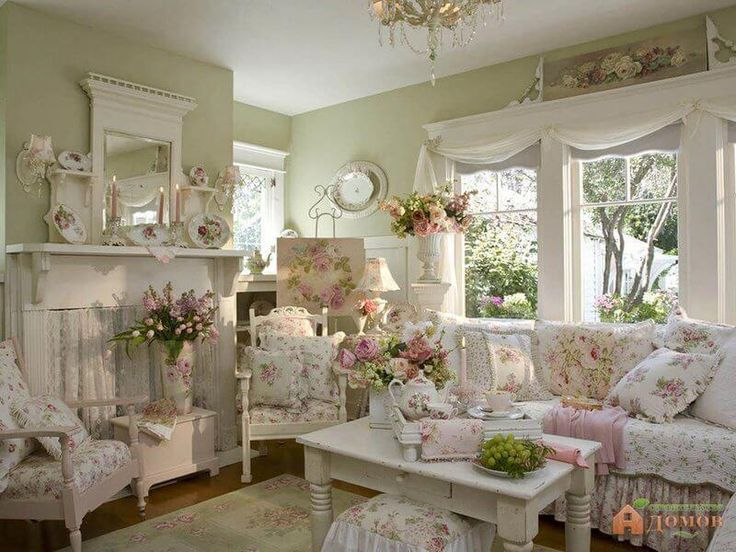 "Shabby Chic Living Room Design and Decor Idea with Pink Roses #""shabbychicfurn… – Alisha Spell Fontenot"